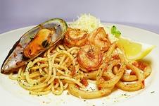 Thumb spagetti marinara